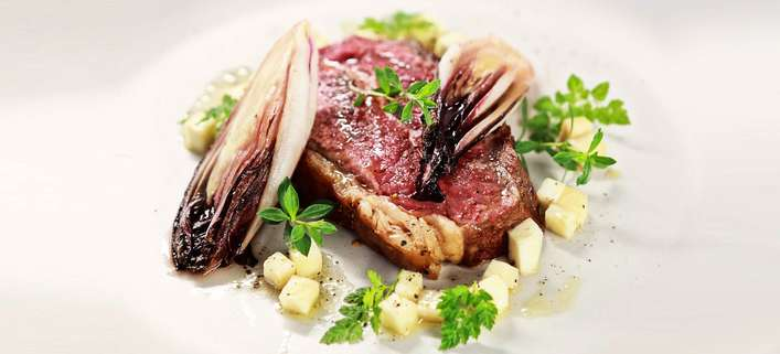 Flat Iron Steak / Roter Chicorée / Sellerie